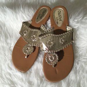 Olivia by Olivia Miller gold Sandals 9/10